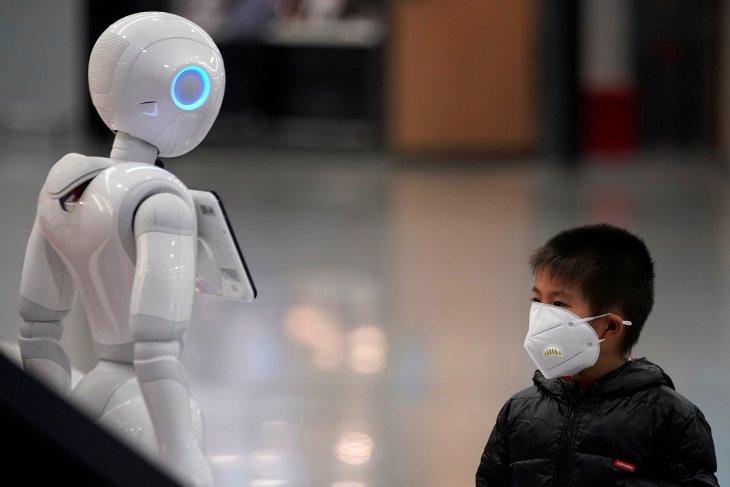 Naikkan harga masker, satu apotek di China didenda