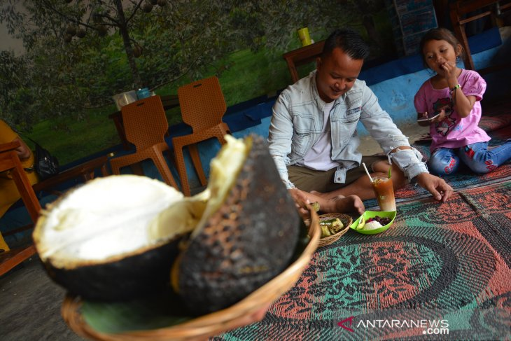 Durian bakar Wonosalam Jombang