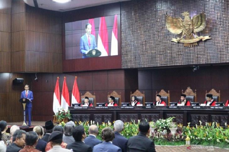 Presiden Jokowi akui Indonesia mengalami obesitas regulasi