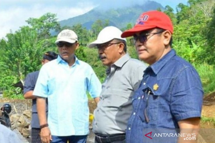 DPRD Bali sidak jalan Patung Jagung-Titigalar di Tabanan yang longsor