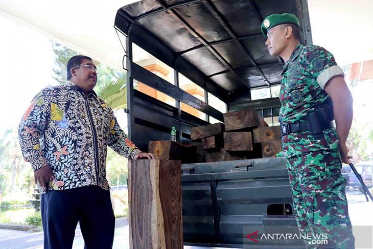"""Bupati dan Dandim Buleleng berantas """"illegal logging"""""""