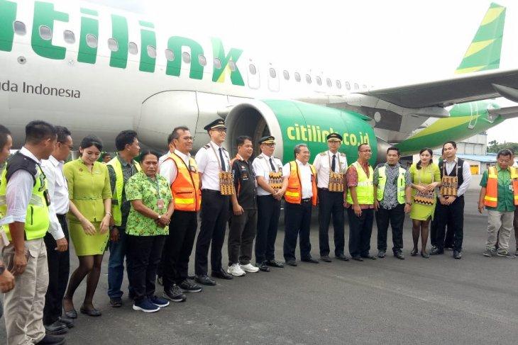 Warga Timika antusias sambut penerbangan perdana Citilink