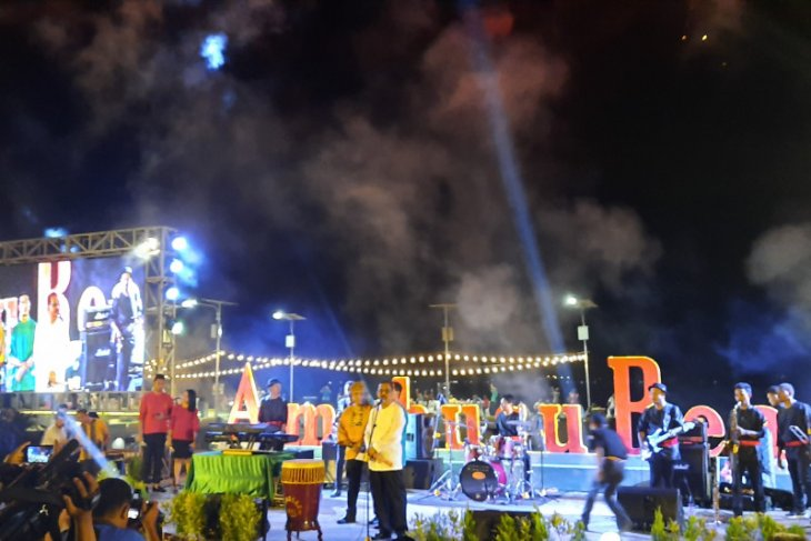 Parade musik mewarnai peluncuran kunjungan wisata Ambon 2020