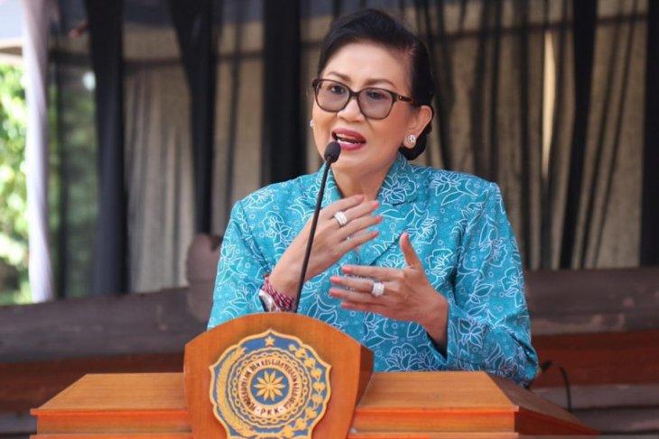 Putri Koster ajak PKK Bali berinovasi kelola sampah