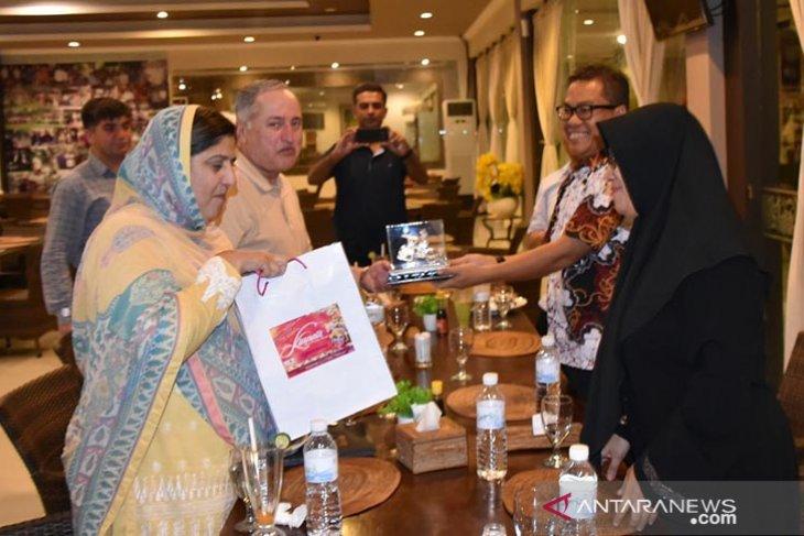 Kasal Pakistan kunjungi Pulau Bali
