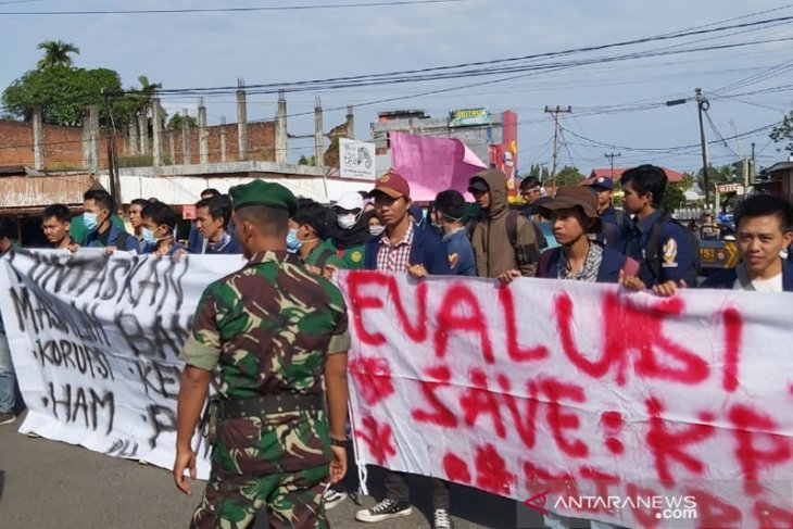 Sembilan tuntutan mahasiswa untuk Jokowi, termasuk tutup PLTU batu bara