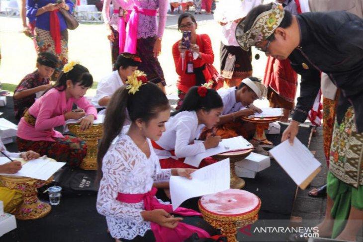 Pemkab Badung ajak anak muda lestarikan bahasa dan sastra Bali