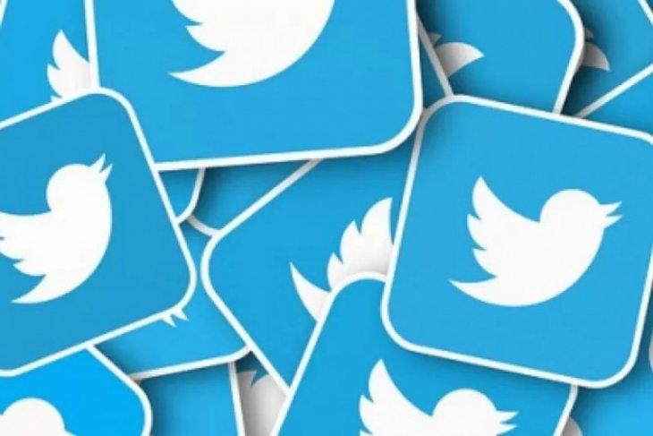 Akun Facebook dan Messenger milik Twitter diretas