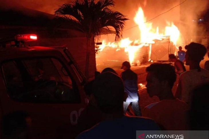 Kebakaran di Lhokseumawe, lima unit rumah ludes terbakar