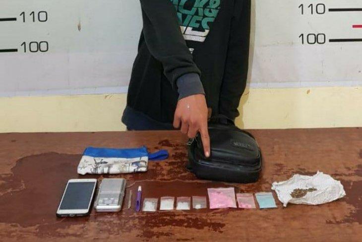 Seorang remaja di Simalungun diciduk polisi terkait kasus penyalahgunaan narkoba