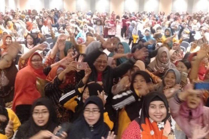 Ribuan emak-emak di Surabaya siap jadi relawan Eri-Armuji