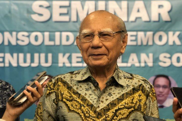 Emil Salim dorong pemerintah genjot pembangunan di daerah