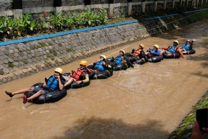 Kampanye pelestarian lingkungan sungai