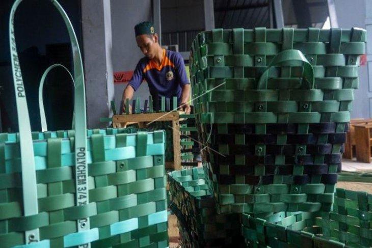 Kerajinan produksi warga binaan Rutan Batang