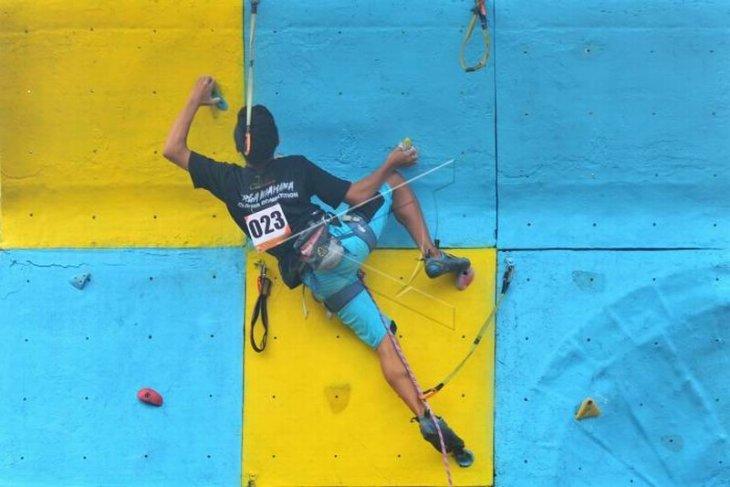 Penjaringan bibit atlet panjat tebing