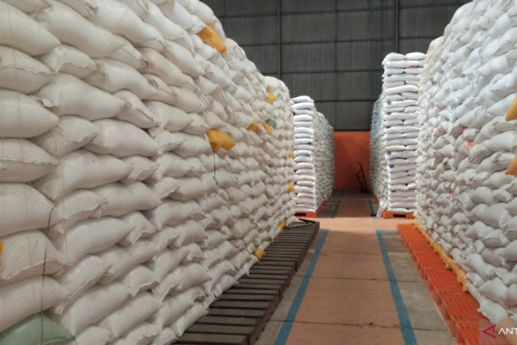 Wali Kota Sorong ancam cabut izin distributor pangan yang naikkan harga
