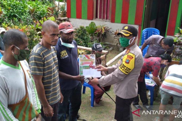 Polres Teluk Wondama siapkan bantuan bagi warga terdampak COVID-19