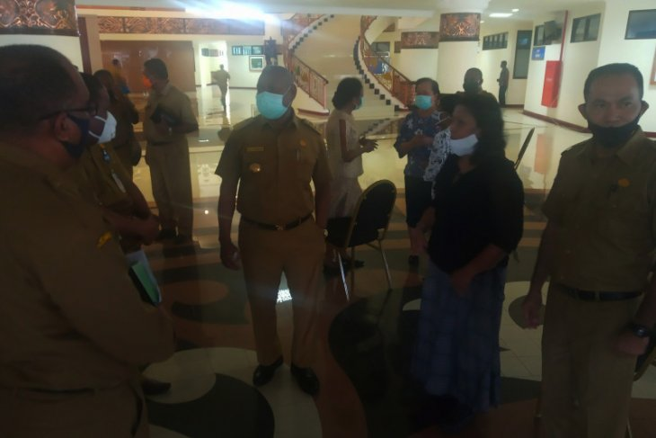 Gubernur sebut pusat tidak potong dana Otsus Papua Barat