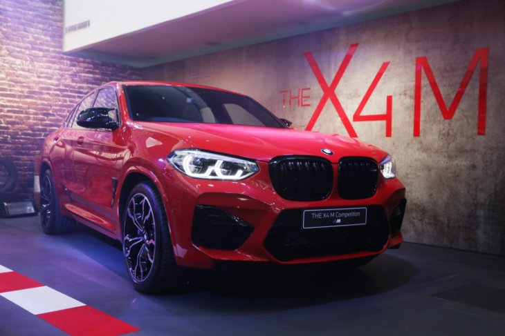BMW X3 dan X4 M Competition hadir di Surabaya 1