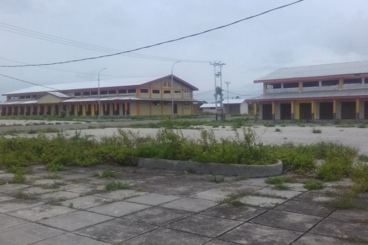 Pasar BTN UN di Kota Tual ditinggalkan pedagang