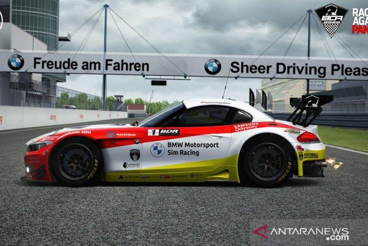 BMW Z4 GT3 mungkinkan balapan mobil di dalam rumah 1