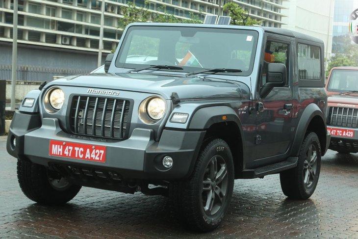 """Mahindra Thar """"kembaran"""" Jeep Wrangler seharga Rp200 jutaan 1"""