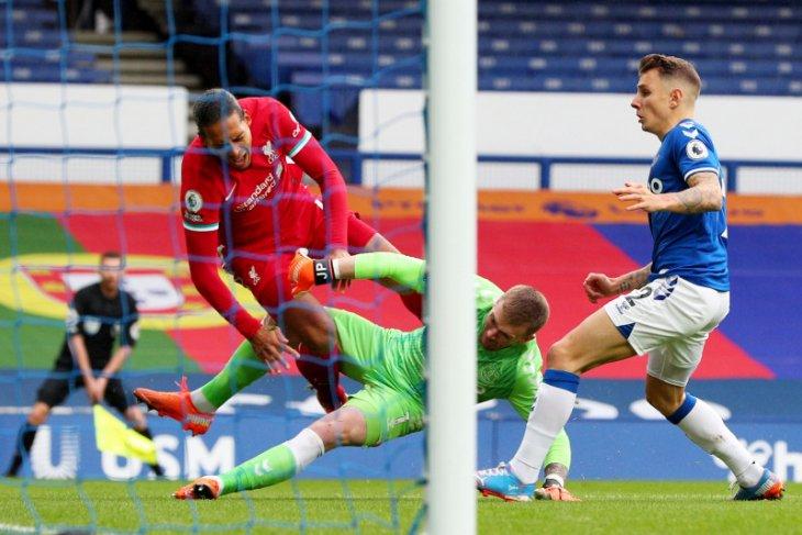 Klopp yakin Van Dijk akan lebih tangguh setelah pulih