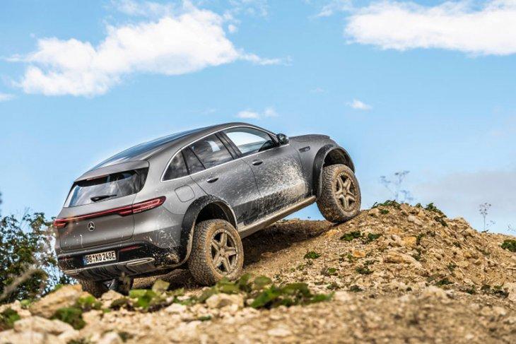 """Mercedes-Benz kenalkan mobil listrik """"off-road"""" EQC 1"""