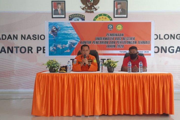 Basarnas Kota Ternate bina penyelamat di bawah air