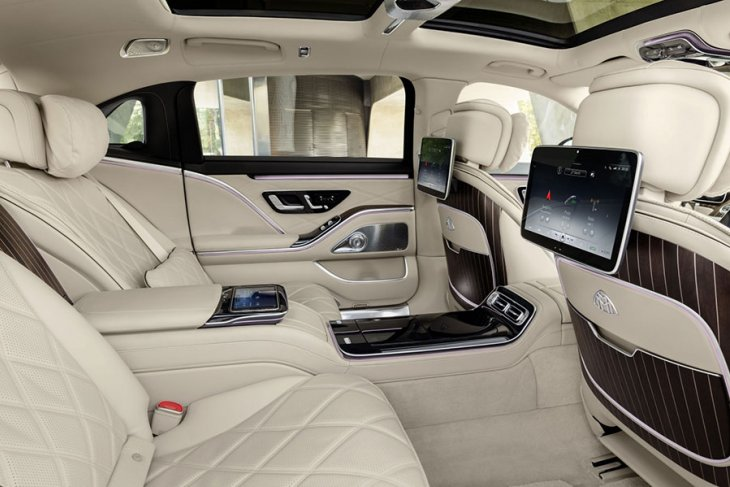 Melongok mewahnya Mercedes-Maybach S-Class berbanderol Rp3 miliaran 3
