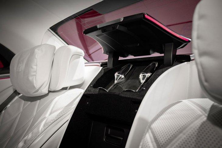 Melongok mewahnya Mercedes-Maybach S-Class berbanderol Rp3 miliaran 5