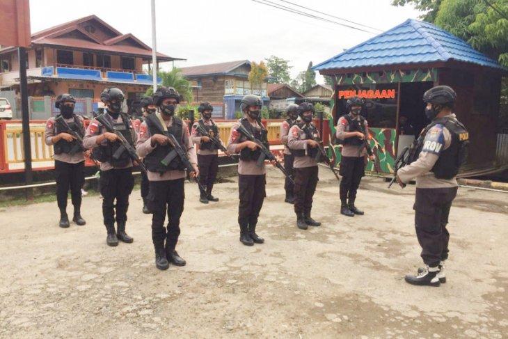 Brimob pengamanan Pilkada kabupaten Bintuni bergeser dari ibukota menuju Babo
