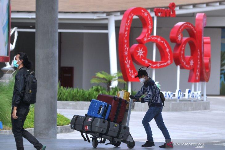 Mau berlibur ke Bali? Siap-siap bawa surat keterangan PCR negatif COVID-19