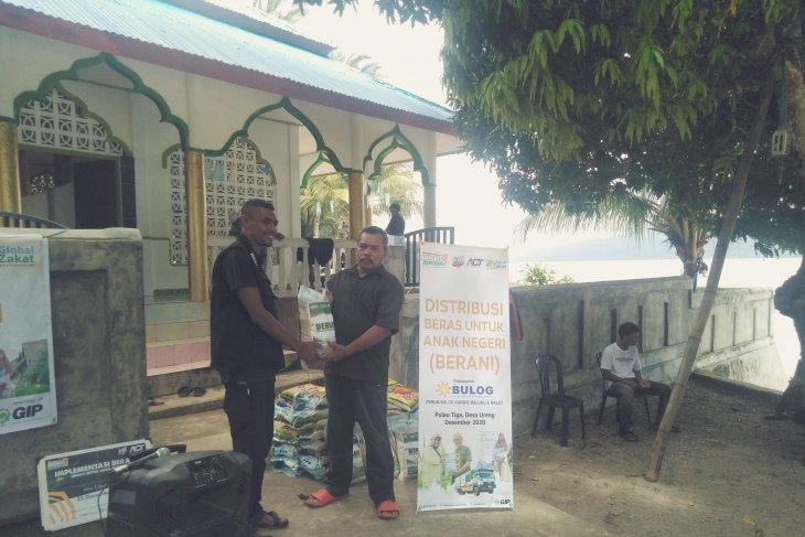 ACT-MRI Maluku salurkan beras untuk warga Pulau Tiga