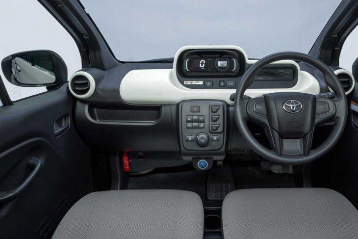Mengulas mobil listrik 2 penumpang Toyota Rp200-an juta 1