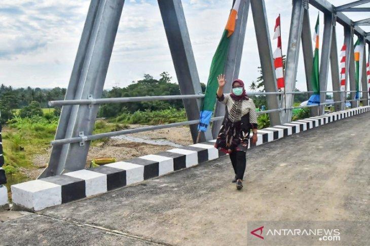 Bupati Bogor penuhi janji bangun jembatan Rp8,1 miliar di Desa Sirnasari