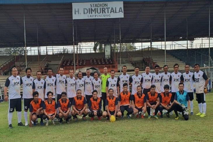Diperkuat Pemain Persiraja Legend Sigupai Fc Taklukkan Pewarta Kutaraja Antara News Aceh