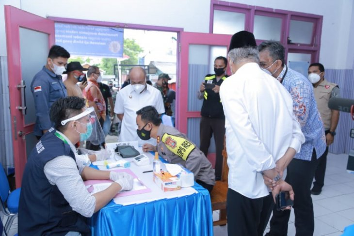 Sejumlah pejabat publik di Kota Ternate divaksin COVID-19