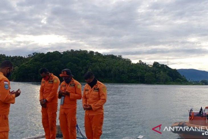 Tim Basarnas Ambon terus cari penumpang KM. Dobonsolo jatuh ke laut