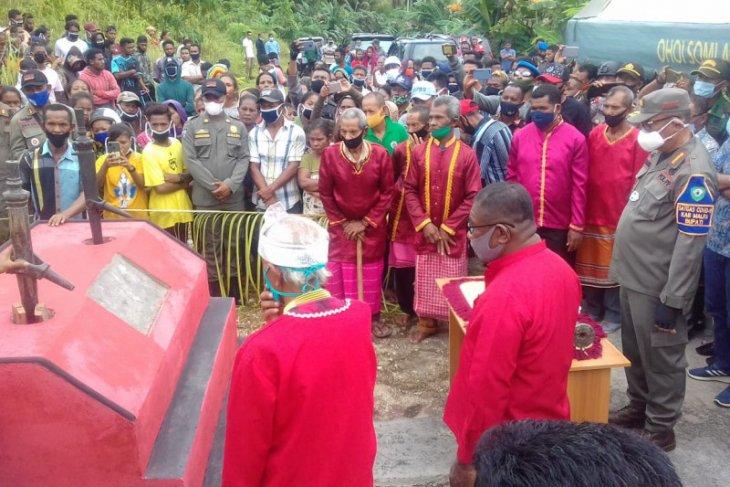 Bupati Malra hadiri upacara perdamaian warga dua ohoi