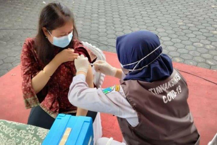Vaksinasi Nakes ditargetkan Tuntas di Februari