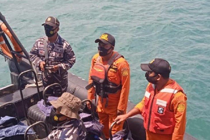 Tim SAR gabungan cari satu nelayan terjatuh di laut Dobo