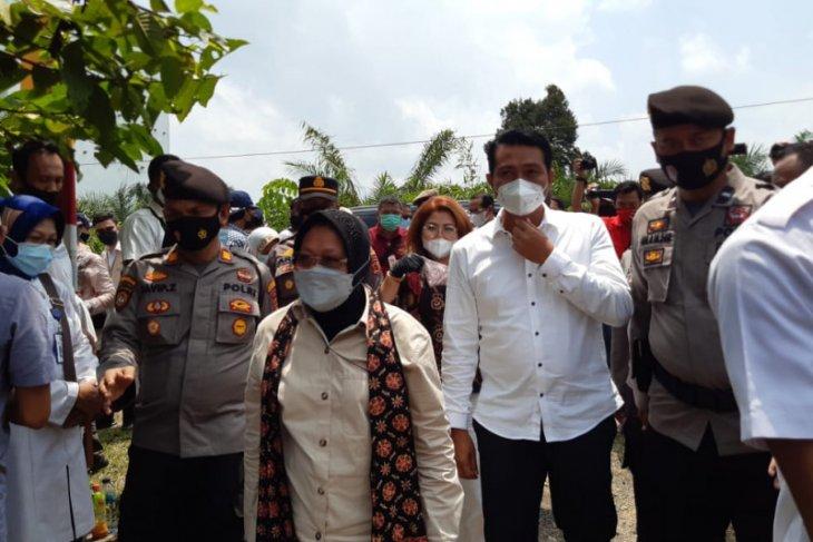 Bupati Batanghari Dampingi Kunjungan Kerja Mensos di Desa Jelutih