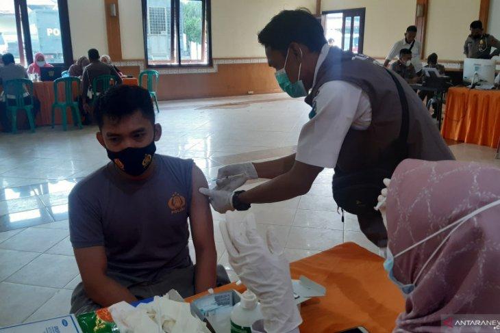 Akhir Maret, Vaksinasi Pelayan Publik Ditergetkan Tuntas