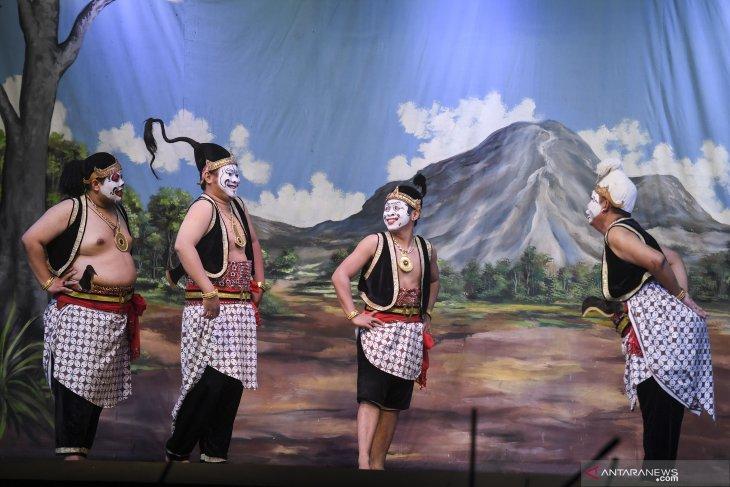 Pertunjukan Wayang Orang Bharata