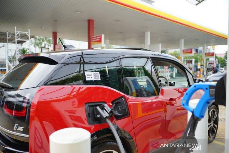 Shell Indonesia memperkenalkan SPKLU pertama 1