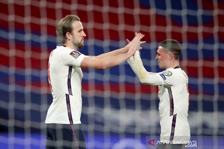 """The Three Lions"" menang 2-1 atas tamunya Polandia"