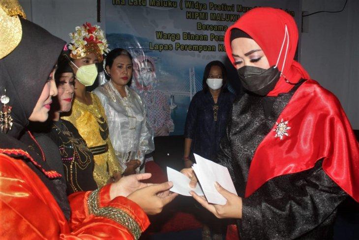 Istri Gubernur Maluku peringati Hari Kartini di lapas perempuan Ambon