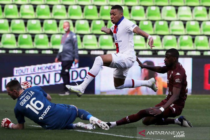 PSG puncaki Klasemen Ligue 1 usai menang 3-1 atas Metz