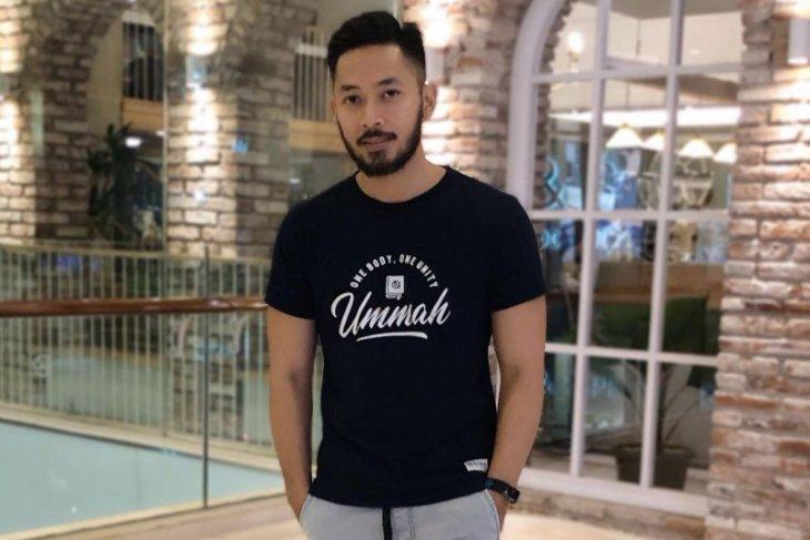 Usai rehat dari dunia musik, Uki Noah kembangkan usaha pakaian muslim thumbnail
